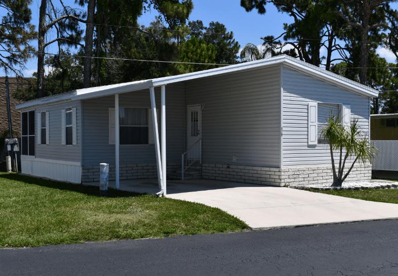 Mobile Home in Sarasota, Florida